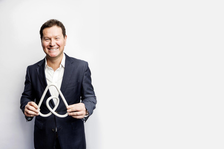 airbnb, the venture magazine
